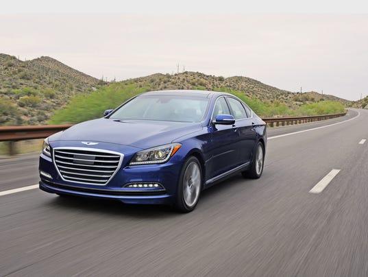 AP_Hyundai_2015_Genesiss.jpg