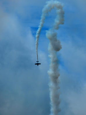The Melbourne Air and Space Show was a huge success. There were some traffic problems and water-logged parking lots from the recent rains, but crowds were happy with the show, vendors and the amazing USAF Thunderbirds. A scene from the airhsow from Apollo Blvd stuck in traffic.