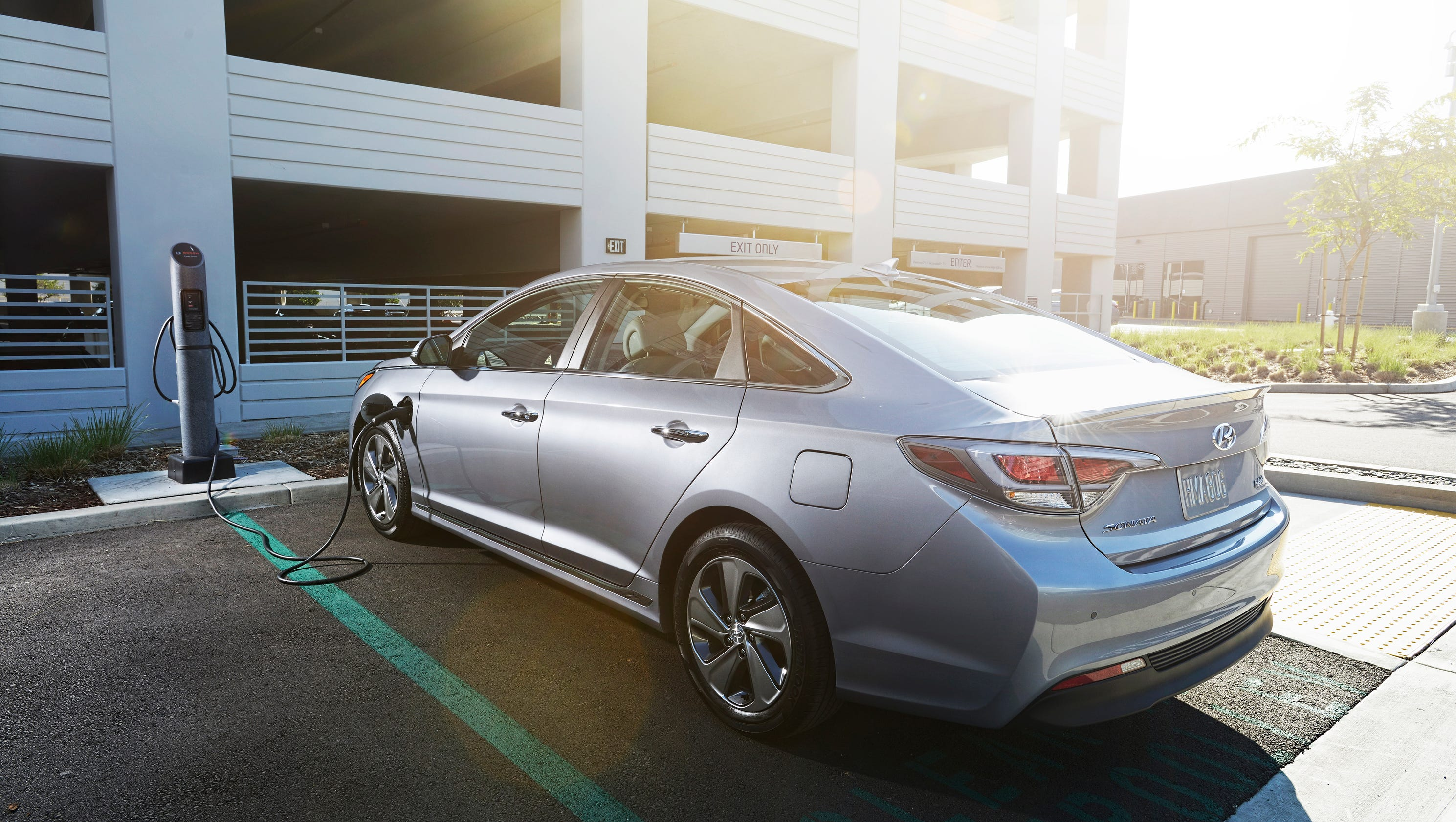 of sedan sport hyundai car invoice new prices pricing get limited research price sonata photograph pictures msrp hybrid the groovecar