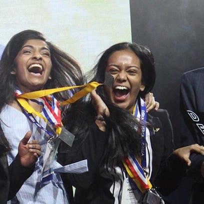 Novi High School students win DECA medals