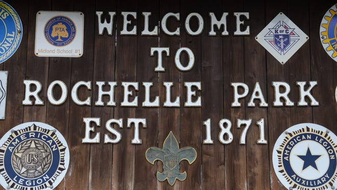 Rochelle Park welcome sign