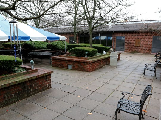 Outdoor area at the Runnells Center for Rehabilitation