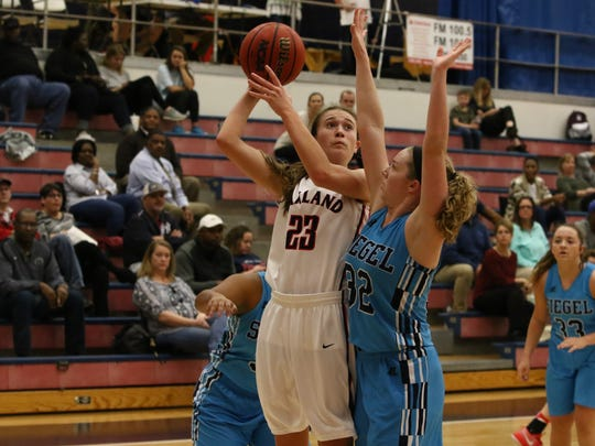 Oakland's Maggie Knowles (23) has committed to Austin Peay.