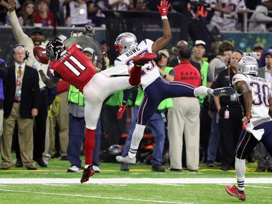 Atlanta Falcons wide receiver Julio Jones makes a catch
