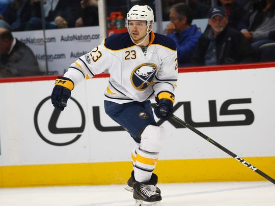 Sabres coach Dan Bylsma did the right thing by benching Sam Reinhart for breaking a team rule.