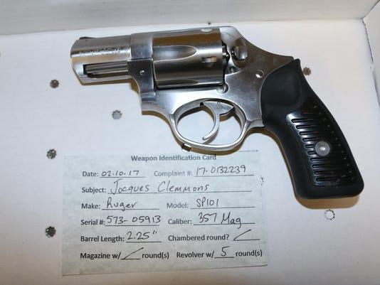 636304514230171575-Clemmons-gun.jpg