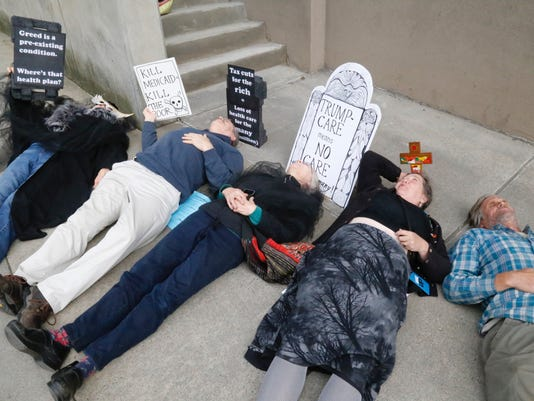 636305501284765332-reed-die-in.jpg
