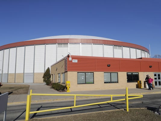 636306373065269269-031017-Brown-County-Arena.jpg