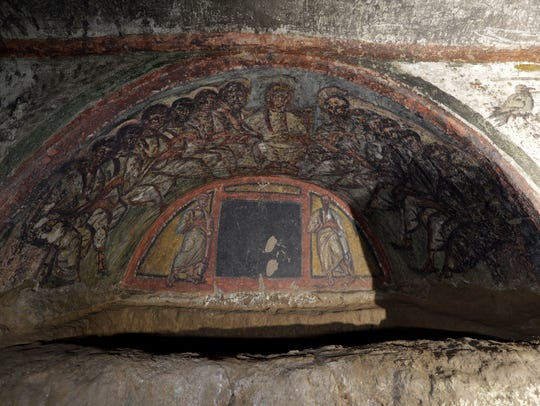 A view of a cubicle of the Santa Domitilla catacombs,