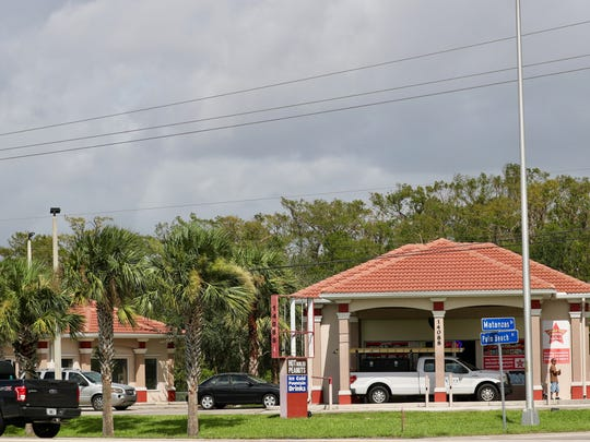 Zoom Thru, a thrift store off Palm Beach Boulevard near Buckingham Road, reopened Monday morning. A long line of cars formed.
