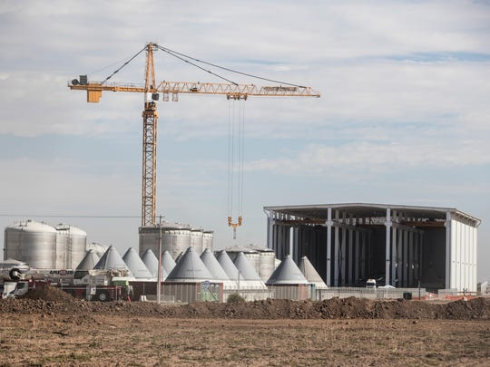 Constellation Brands continues construction on their plant in Mexicali, Baja California. The plant is opposed by farmers and environmental organization which insist that the plant will deplete their water source. The operation is expected to begin in 2019.