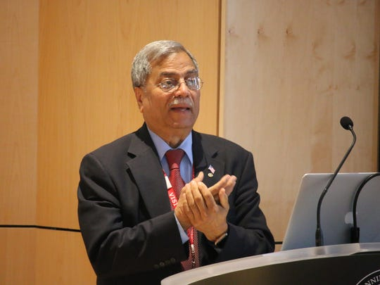Dr. Mohammad Ali Chaundry delivers a lecture to Pennington students Dec.11.