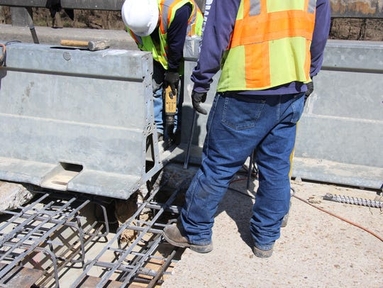 MDOT workers make repairs on a bridge rehabilitation project for Mississippi 465 in Issaquena County over Steele Bayou. The State Personnel Board during the 2019 legislative session told lawmakers that state employees are aging and quitting their jobs at an aggressive rate.