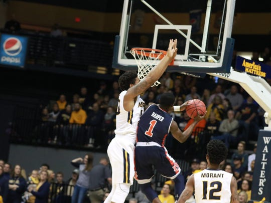 Auburn guard Jared Harper drives to the basket during the Tigers 81-77 win at Murray State on Dec. 19, 2017.