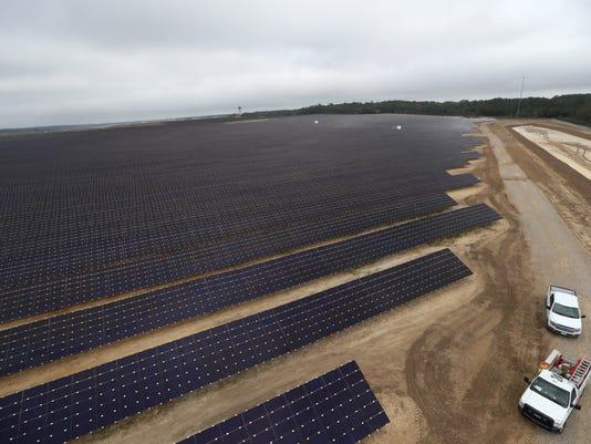 636499709557302684-Solar-Farm-10.JPG