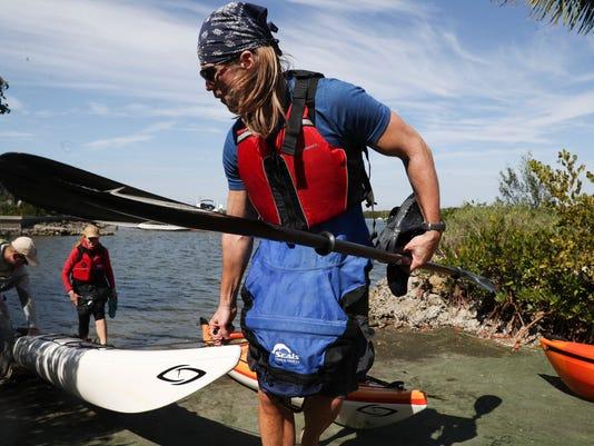 636525658063326614-kayakTrop002.jpg