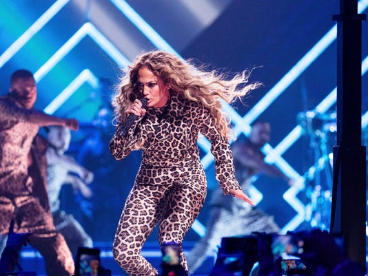 Jennifer Lopez performs at the Directv Super Saturday Night