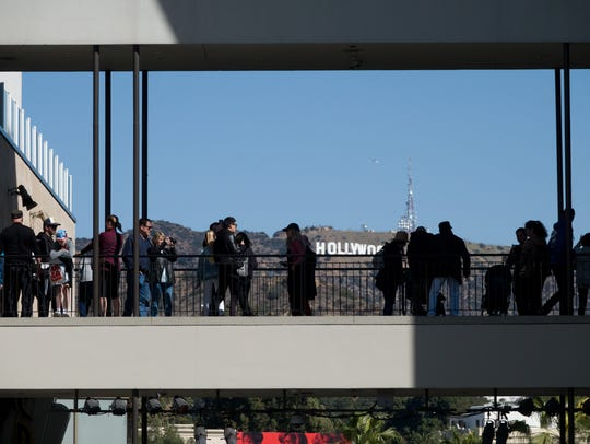 The upper deck at Hollywood and Highland has a viewing