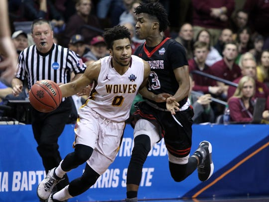 Ian Smith of Northern State collides with Montrel Morgan
