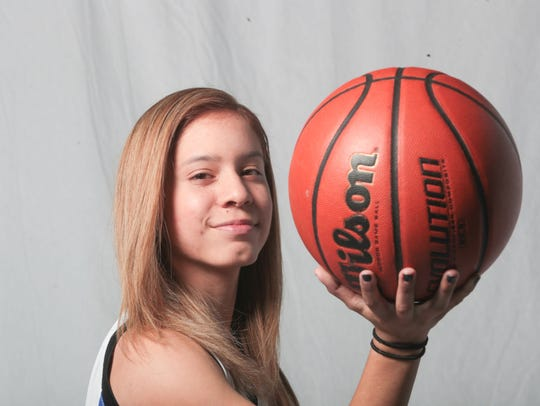 Dominique Urbina, Cathedral City Baskeball Player at