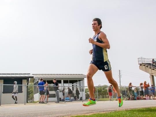 Gulf Breeze's Ryan Von Brock takes an early lead in