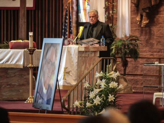 Harold Matzner speaks at Jim Houston's funeral service