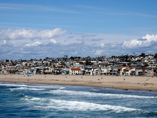 A view of the Hermosa Beach coastline from the pier.