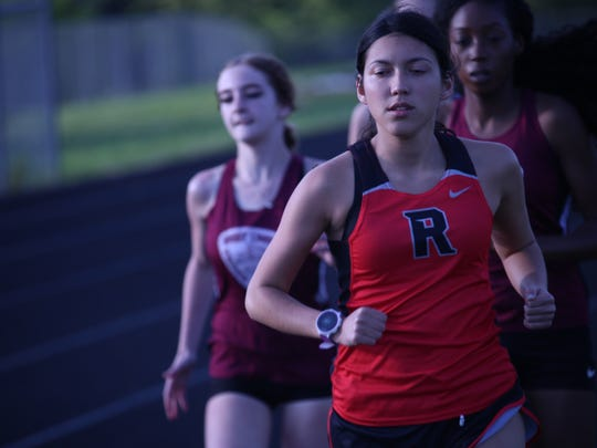 Rossview's Sara Martin leads the pack in the girls'
