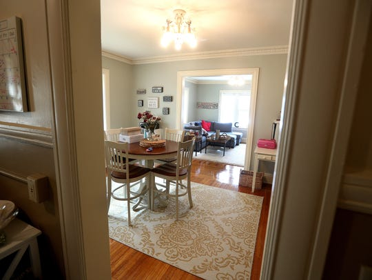 A one bedroom apartment in the Algonquin on Goodman