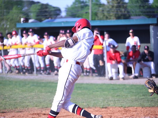 Rossview's Elijah Pleasants takes a swing at the plate