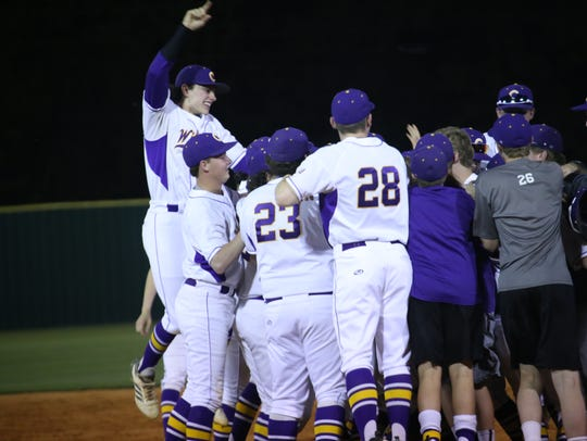 Clarksville High celebrates after knocking off Rossview