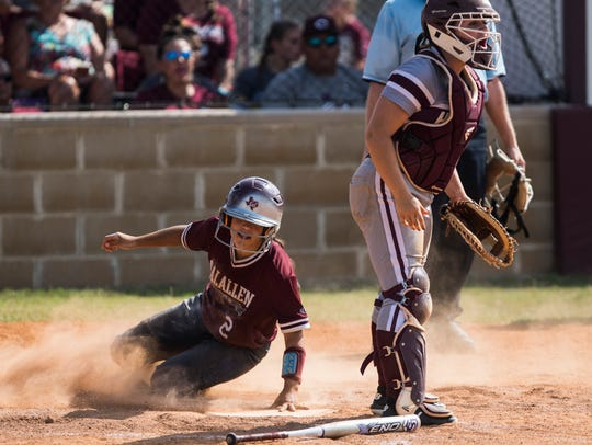 Flour Bluff vs. Calallen during their playoff game