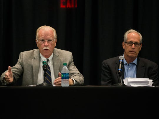 Donnis Baggett with the Texas Press Association and Caller-Times Opinion Editor Tom Whitehurst discuss government transparency at a 2018 forum at Texas A&M University-Corpus Christi.