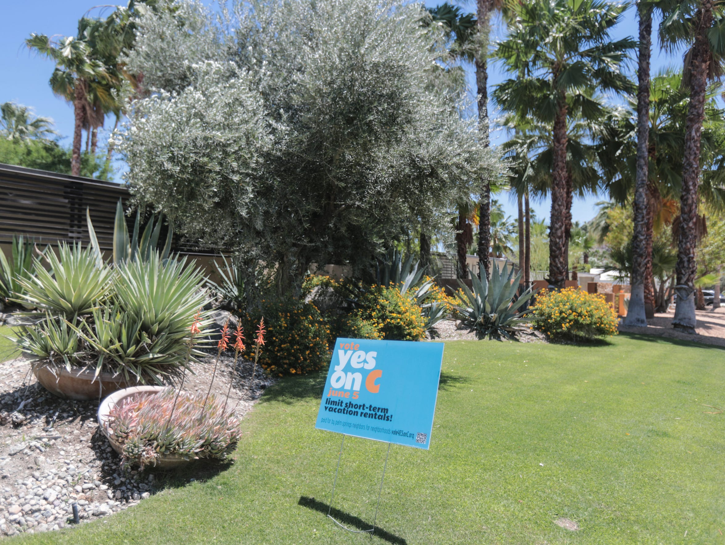 A for Measure C sign on North Rose Avenue in Palm Springs