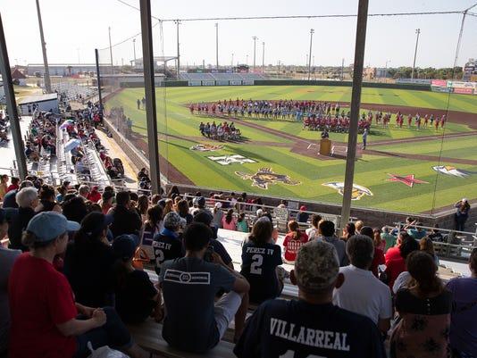 636638272828631193-667115002-Veterans-Memorial-Baseball-Pep-Rally-4.jpg