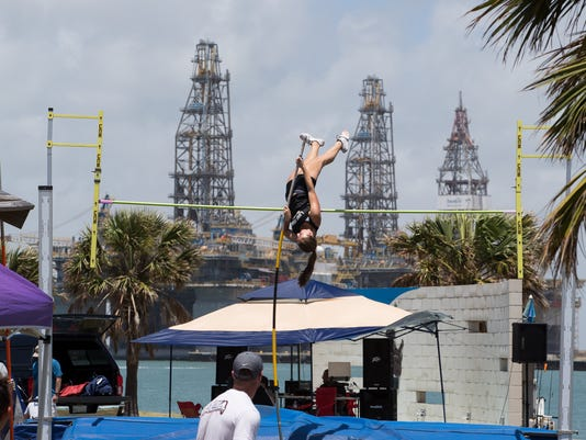 636647607180453504-705695002-Port-Aransas-Pole-Vaulting-8.jpg