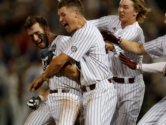NCAA Baseball: College World Series-Mississippi State vs Washington