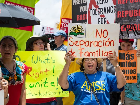 636658038808369054-Border-Keeping-Families-Together-rally-23.jpg