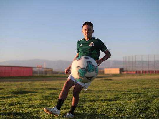 Alex Pimentel, Desert Mirage High star soccer player