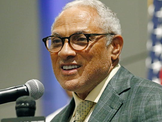 Democrat Mike Espy pledges to work across party lines,