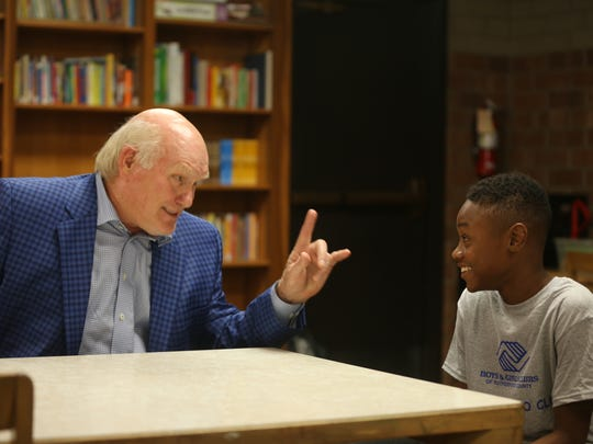 Terry Bradshaw meets Boys and Girls Club of Rutherford