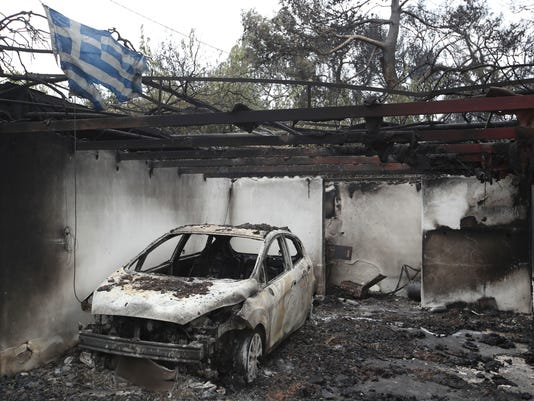 AP APTOPIX GREECE FOREST FIRE I GRC
