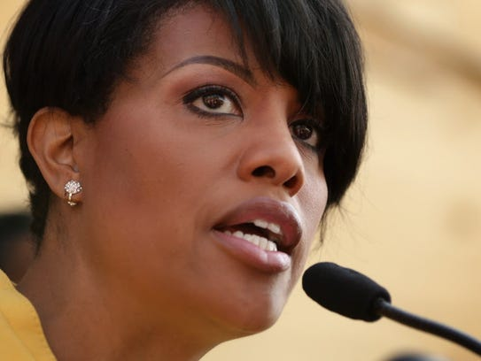 Mayor Stephanie Rawlings-Blake speaks during a news