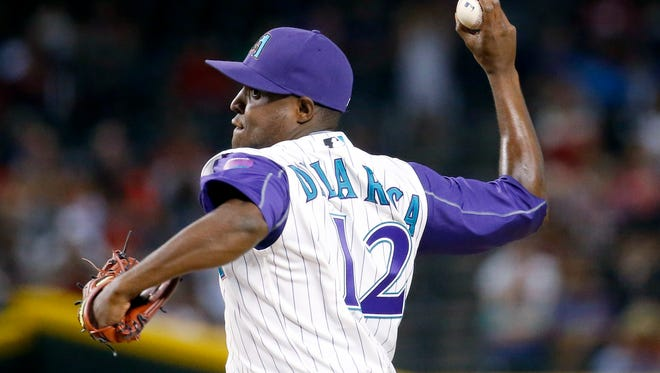 Arizona Diamondbacks starting pitcher Rubby De La Rosa throws during the seventh inning against the St. Louis Cardinals on Thursday, April 28, 2016, in Phoenix.