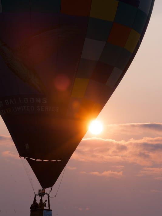 635718710200762001-Balloons-14