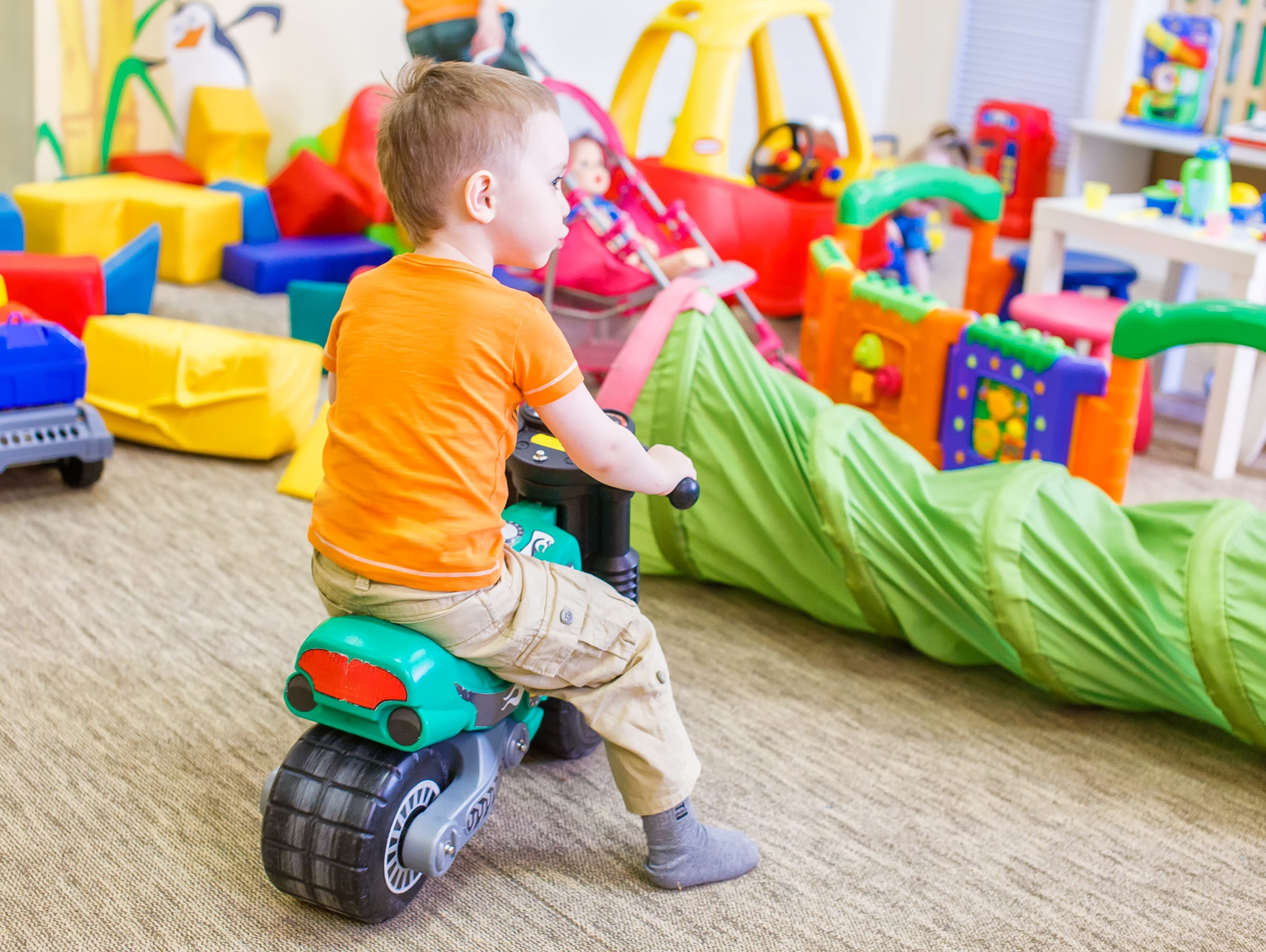 Christmas Toys For Boys : More toys at christmas good be bad for your child study suggests