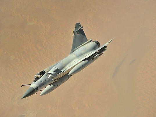 الإمارات قد تمنح 10 مقاتلات ميراج 2000-9 للعراق 635570027538329928-1200px-UAE-Mirage-2000