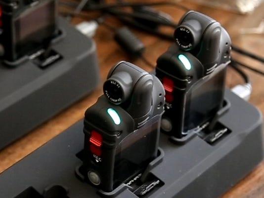 635816364242432145-body-cams