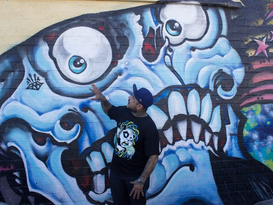 Murals in Phoenix, LA
