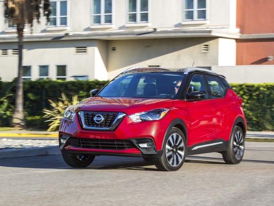 2018_Nissan_KICKS_Red_driving2